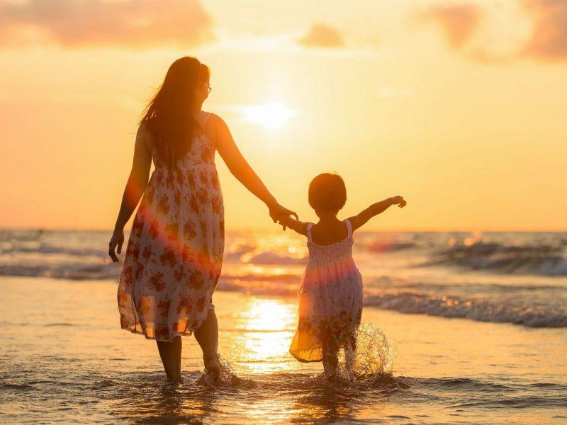 Datende moeder op zoek naar een nieuwe liefde!